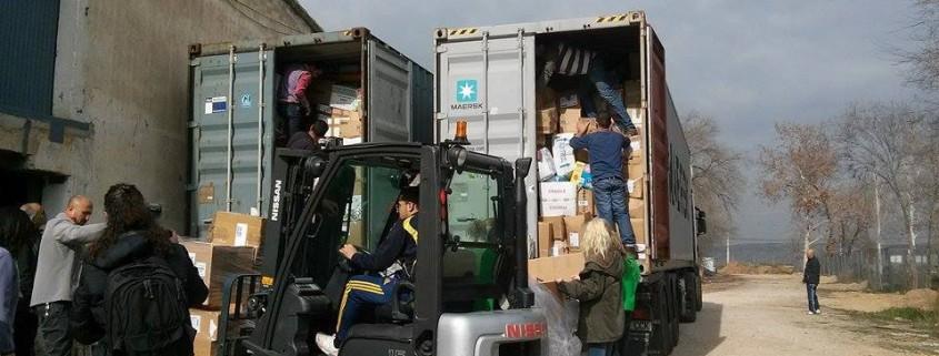 2 contenedores de ayuda para los sirios