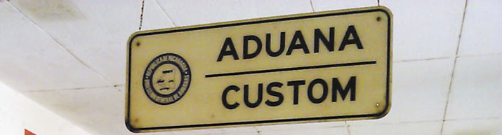 agentes aduaneros en El Salvador